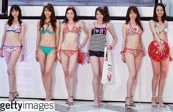 แฟชั่นชุดว่ายน้ำสาวญี่ปุ่น