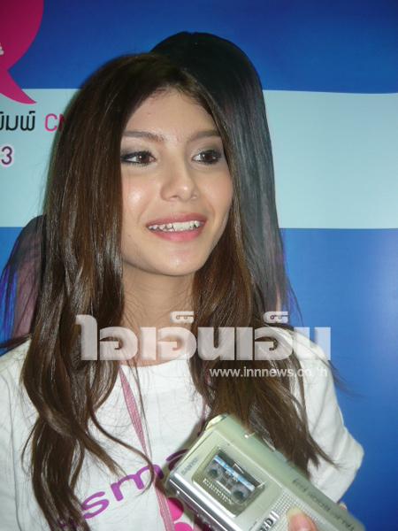 泰国混血模特儿sara